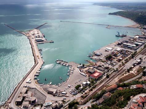 Firmata l'intesa del passaggio dei porti d'Abruzzo sotto l'autorità di Civitavecchia