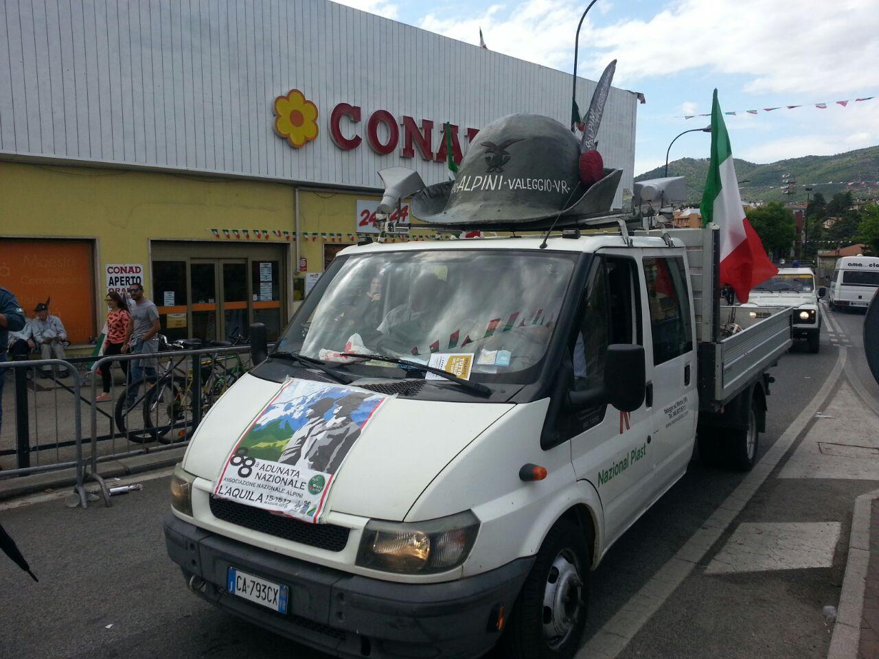 Adunata Alpini L'Aquila, furgone