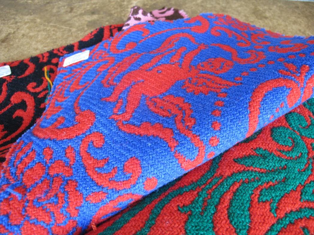 Risultati immagini per coperte lana abruzzese